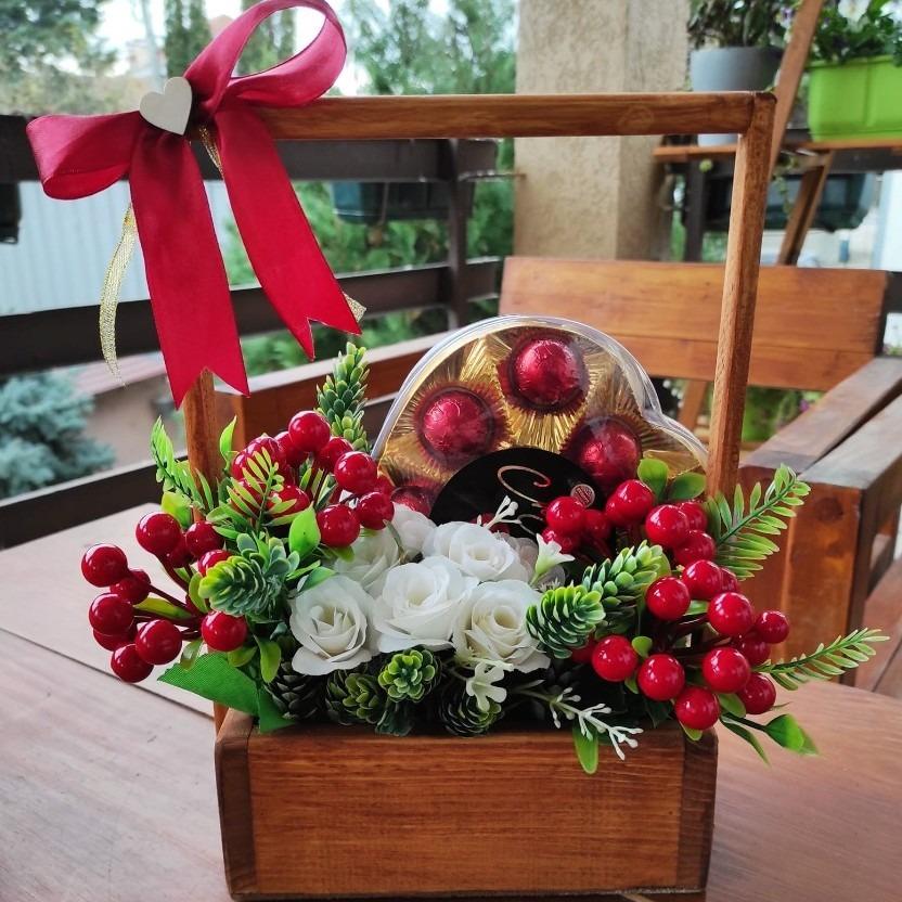 Уникатен подарок со цвеќе и чоколатца