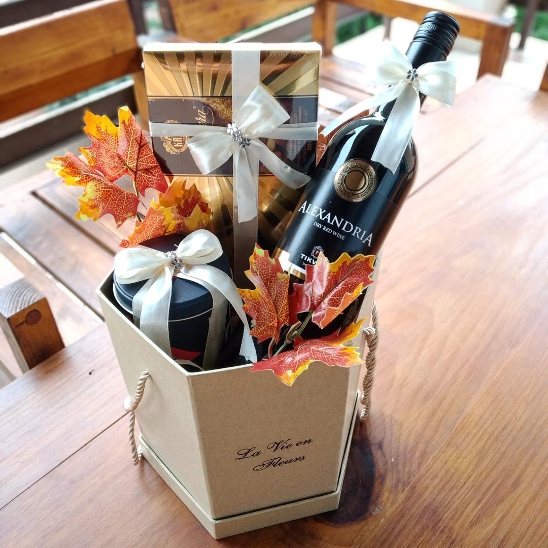Подарок со вино и чоколадо