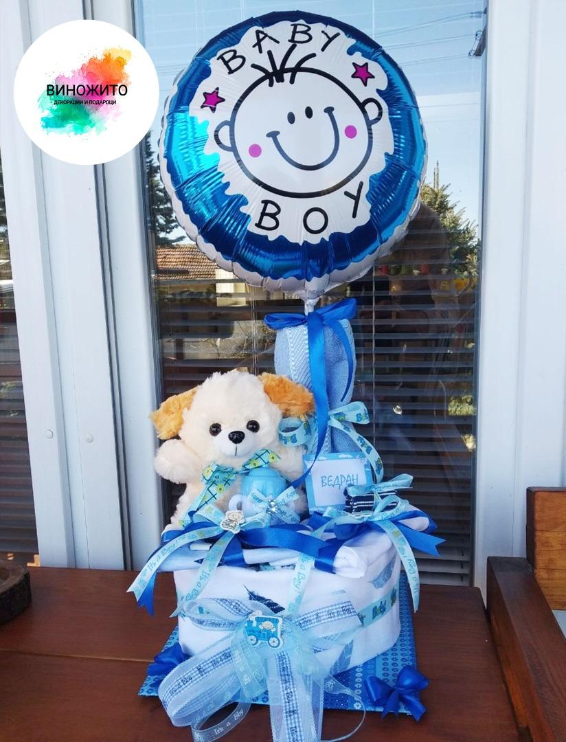 Торта од пелени со балон