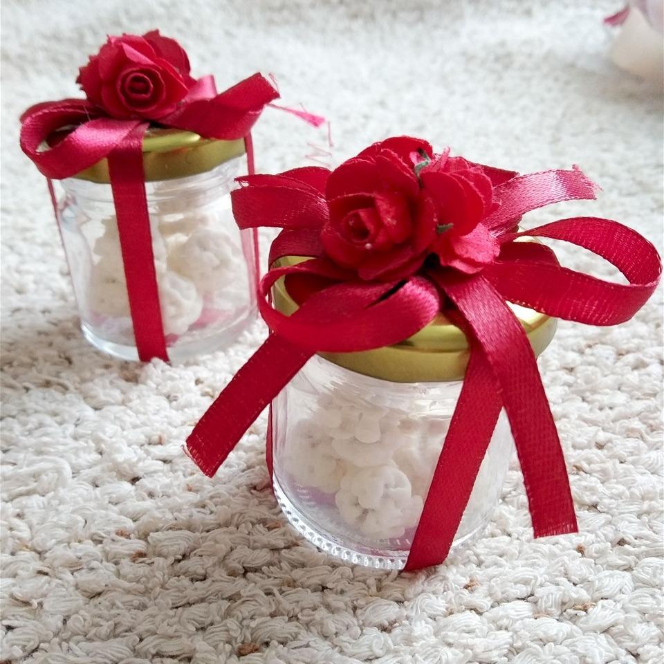 Теглички со бонбони за свадба